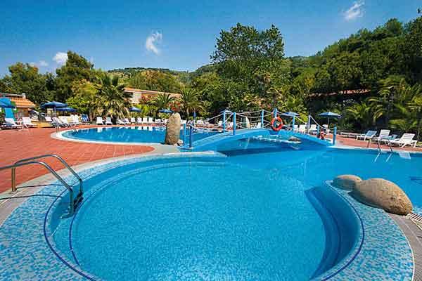 piscina-oasi.jpg